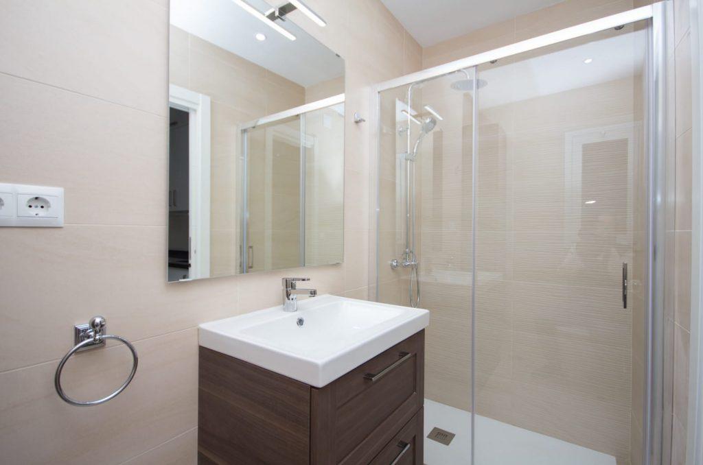 reformas de cuarto de baño plato de ducha