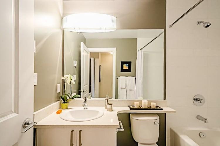iluminación en reformas de baños pequeños
